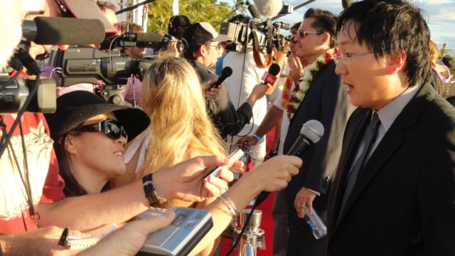 Wendie Burbridge interviews Masi Oka at SOTB2 in Waikiki on the Red Carpet